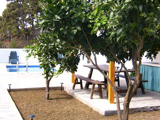 Essplatz beim Pool