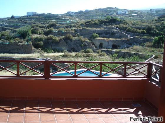 Terrasse und Blick auf die Umgebung