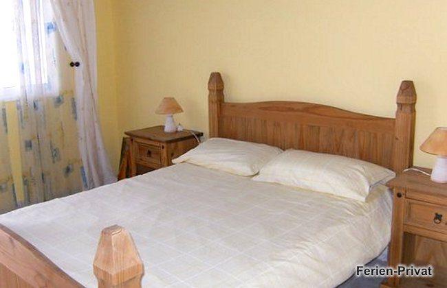 TF 151809-5 Schlafzimmer mit Doppelbett im Nebenhaus