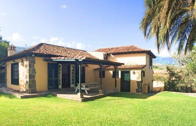 TF 177919-8 Blick auf Haus und überdachte Terrasse