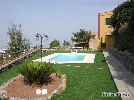 Pool und Garten zum Sonnen