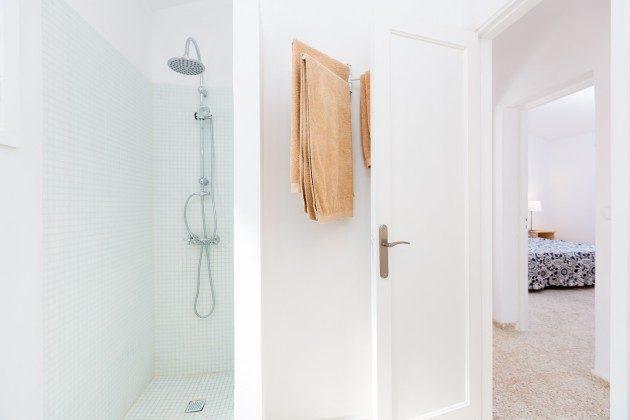 Wohnbeispiel: Badezimmer mit Dusche