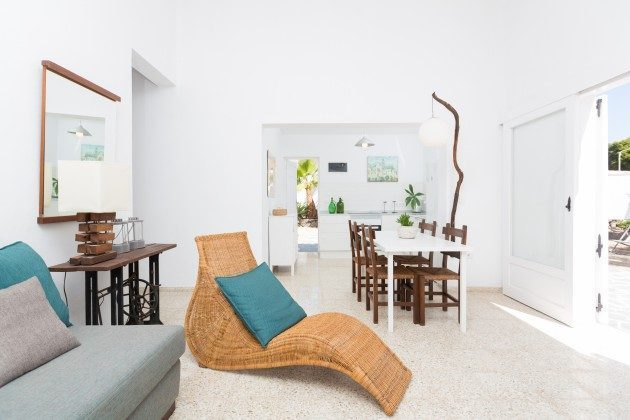 Wohnbeispiel: modern eingerichteter Wohn-/Essraum