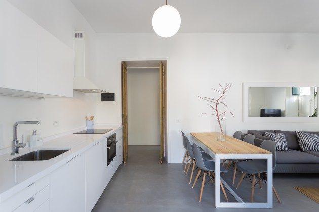 Wohn-/Essbereich und Küchenzeile