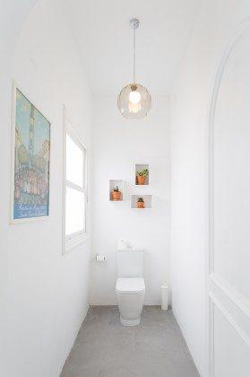 Toilette in einem der Bäder