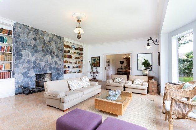 TF 177919-3 Wohnzimmer mit gemütlichen Sofas