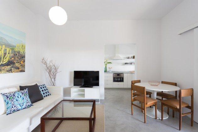 Wohn-/Essbereich mit angrenzender Küche