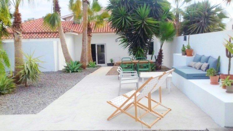TF 177919-9 Terrasse mit Gartenmöbeln