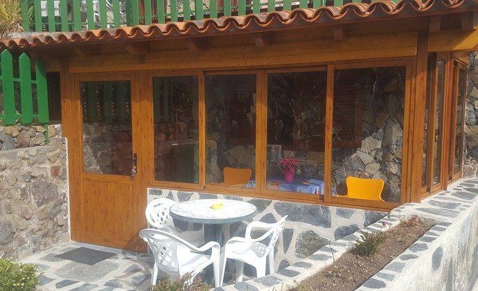 Objekt 152758-2 verglaste Veranda und Terrasse Wohnung C
