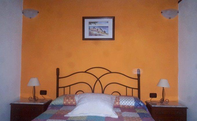 Objekt 152758-2 Schlafzimmer mit Doppelbett Haus 1