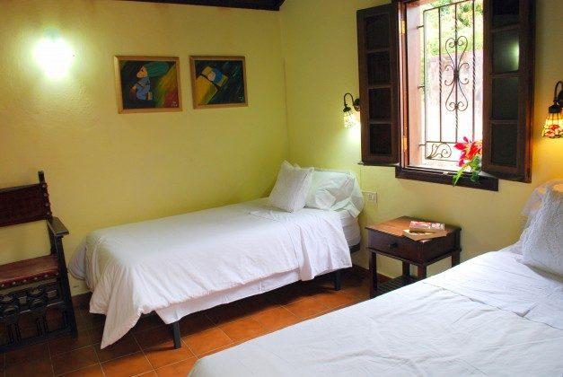 TF 151217 Beispiel Schlafzimmer mit zwei Einzelbetten, Haus A