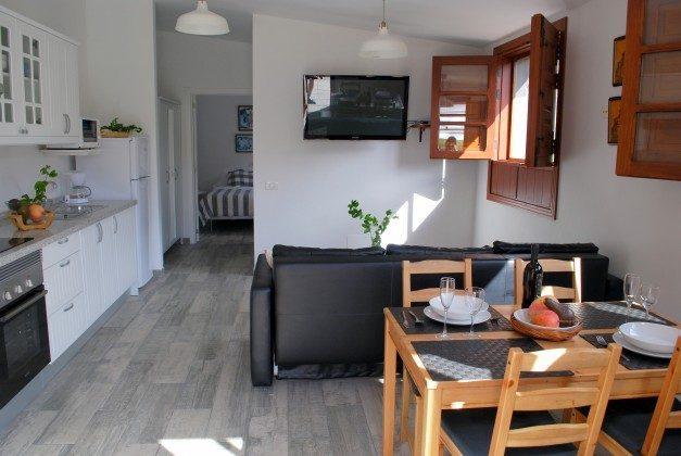 TF 151217 Haus C Wohn-/Esszimmer mit Küchenzeile