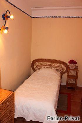 Schlafzimmer mit Einzelbett Wohnung 2