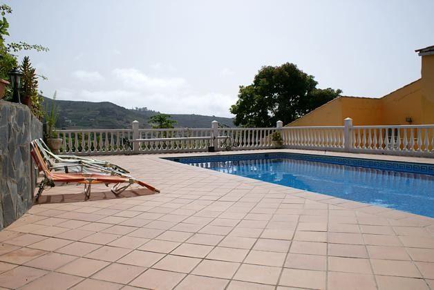 Sonnenterrasse und privater Pool